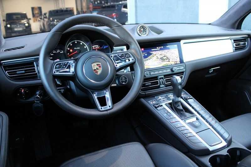 Porsche Macan 2.9 Turbo Zeer kompleet! afbeelding 3