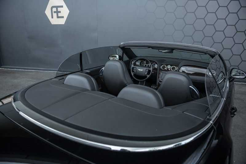 Bentley Continental GTC 6.0 W12 + Dealer onderhouden + Excellent Condition afbeelding 24