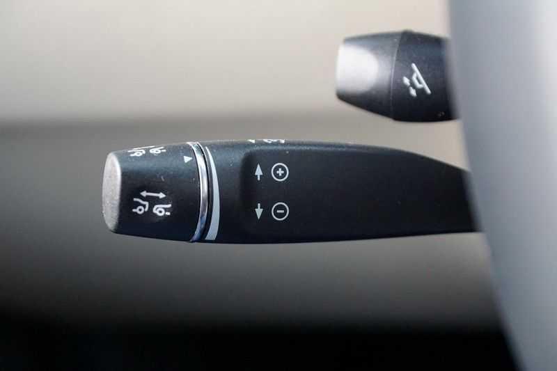 Tesla Model X 90D Base 6p. 6-Persoons / Panoramadak / Camera / Luchtvering / 112dkm NAP / NL-Auto afbeelding 15