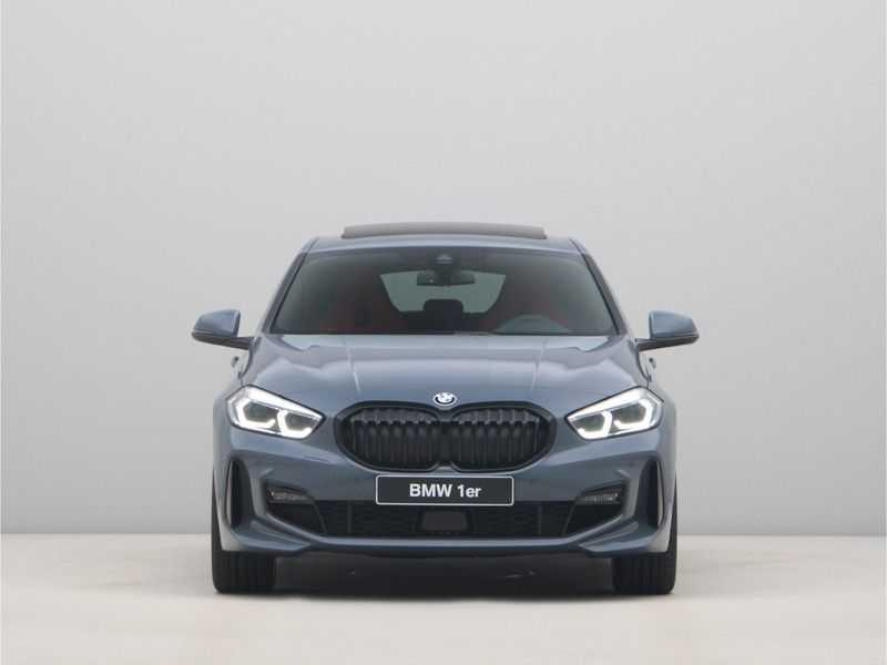 BMW 1 Serie 118i 5rds High Exe M-Sport Aut. afbeelding 5