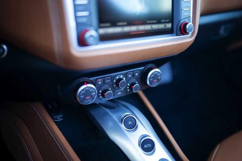 """Ferrari California 3.9 T HELE *Rosso California / Regelb. Sportuitlaat / 20"""" / 2-Tone* afbeelding 20"""