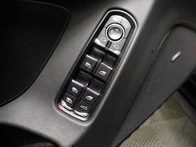 Porsche Panamera 3.0D Black Edition 300pk Autom- Schuifdak, Leer, Camera, Navi, Xenon, Memory, LMV afbeelding 18