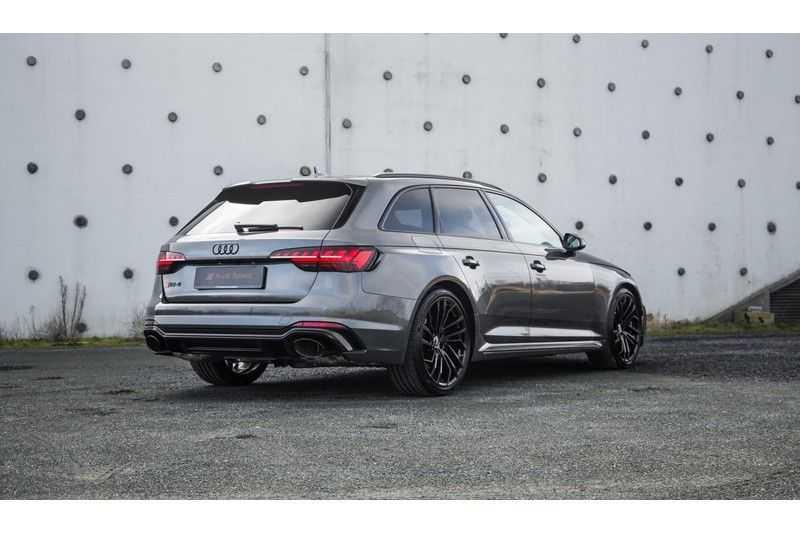 Audi A4 Avant 2.9 TFSI RS 4 quattro afbeelding 4
