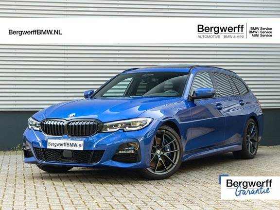 BMW 3 Serie Touring 330i M-Sport - M-Performance - Panorama - Active Cruise