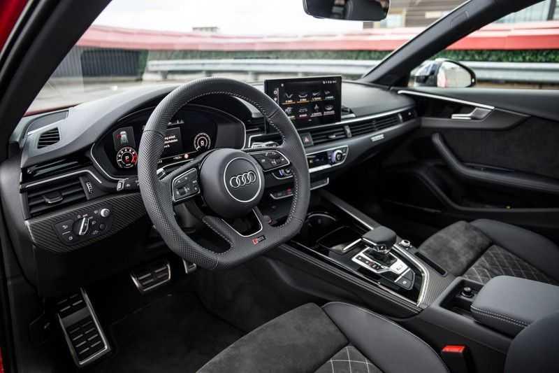 Audi A4 Avant 2.9 TFSI RS4 quattro | 450PK | Sportonderstel Plus | Panoramadak | Inleg Carbon | B&O | Sportdifferentieel | Head-up afbeelding 15