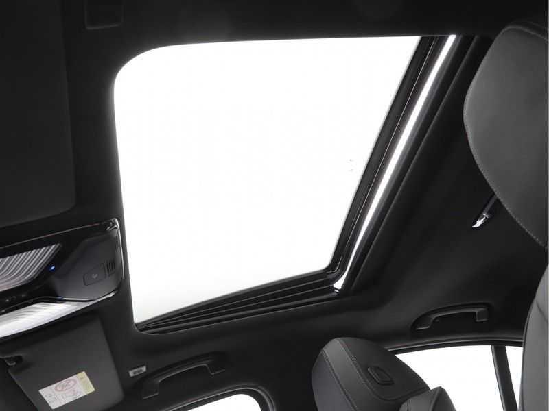 BMW 3 Serie 330e High Exe M-Sport Aut afbeelding 15