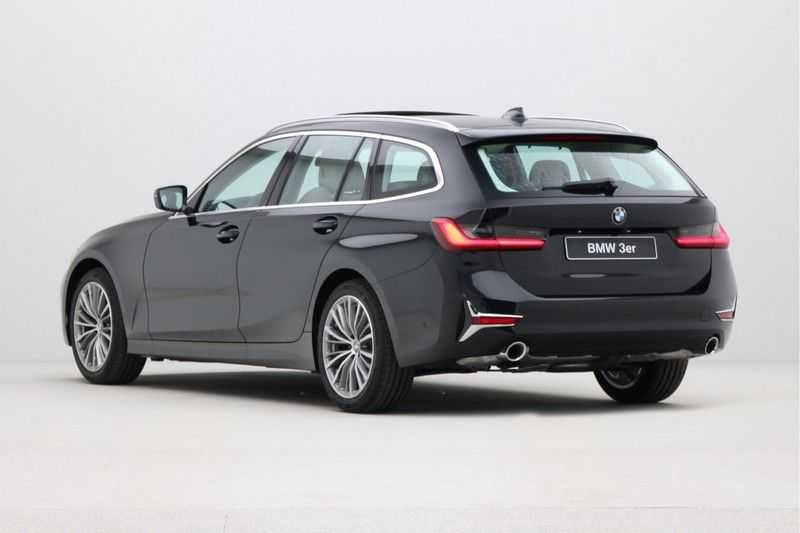 BMW 3 Serie Touring 320d Luxury Line High Executive afbeelding 3
