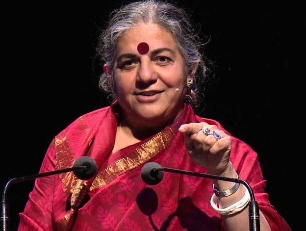 Vandana Shiva, az indiai filozófus és radikális zöld mozgalmár