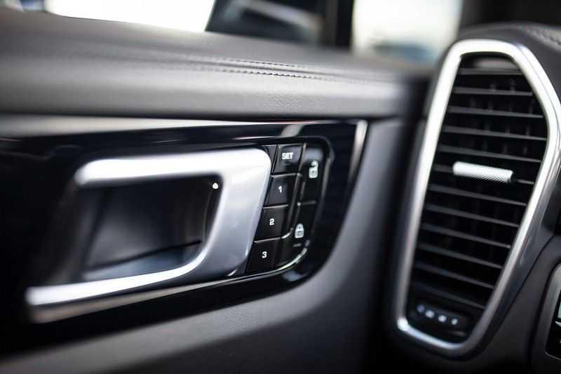 Porsche Cayenne 2.9 S *Pano / BOSE / Porsche InnoDrive / HUD / Comfortstoelen 14-voudig* afbeelding 16