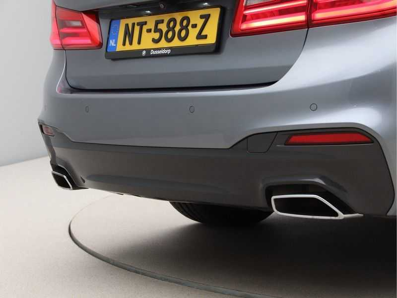 BMW 5 Serie 540i High Exe M-Sport Aut. afbeelding 22