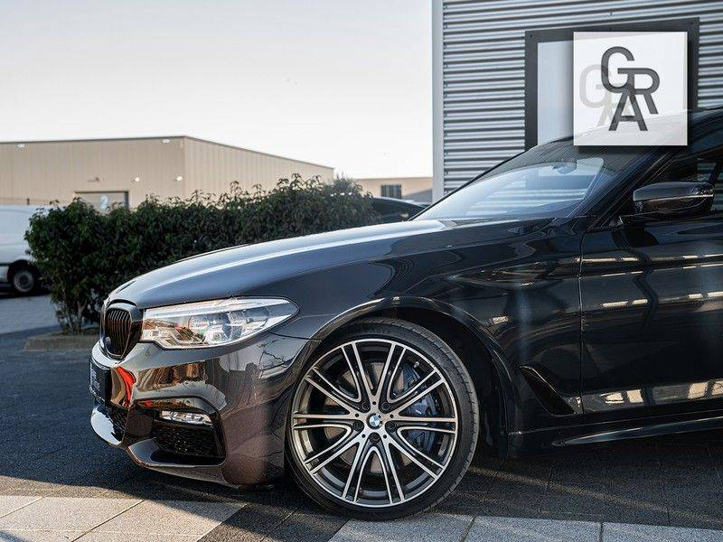 BMW 5 Serie 540i xDrive High Executive afbeelding 3