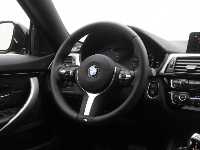 BMW 4 Serie Gran Coupé 418i High Executive M-Sport Automaat afbeelding 2