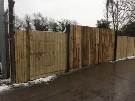 Closeboard Fencing & Vehicle Gate – East London