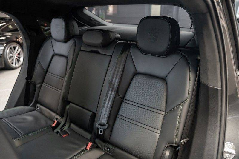 Porsche Cayenne Coupé Hybrid Sport Design Porsche Exclusive 3.0 E-Hybrid afbeelding 12