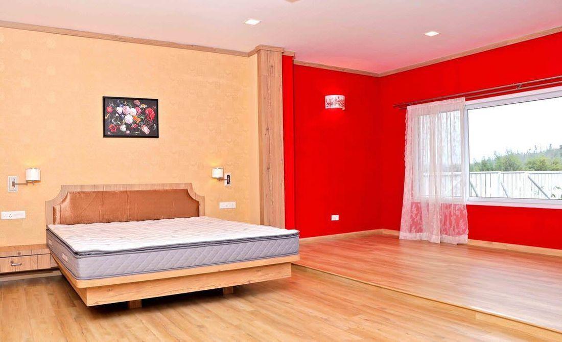 Master bedroom at Streamside Marigold