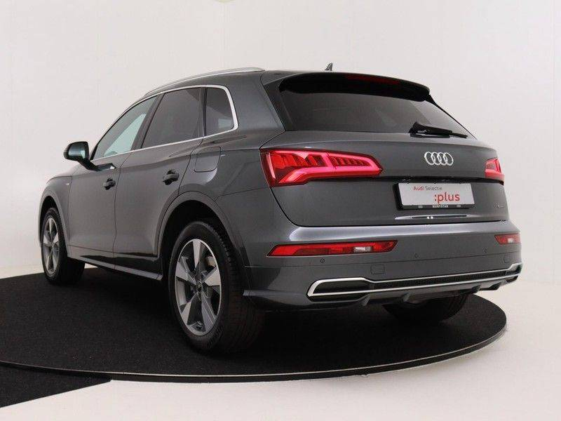 Audi Q5 50 TFSI e 299 pk quattro S edition | S-Line | Trekhaak | Elektrisch verstelbare/verwarmbare voorstoelen | Privacy Glass | Verlengde fabrieksgarantie afbeelding 7