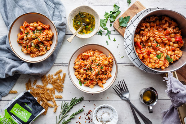 Quick and Delicious Pasta and Chickpeas (Pasta e Ceci)