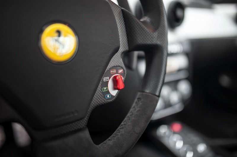 Ferrari 599 6.0 GTB Fiorano F1 Alonso Edition 1/40 afbeelding 4