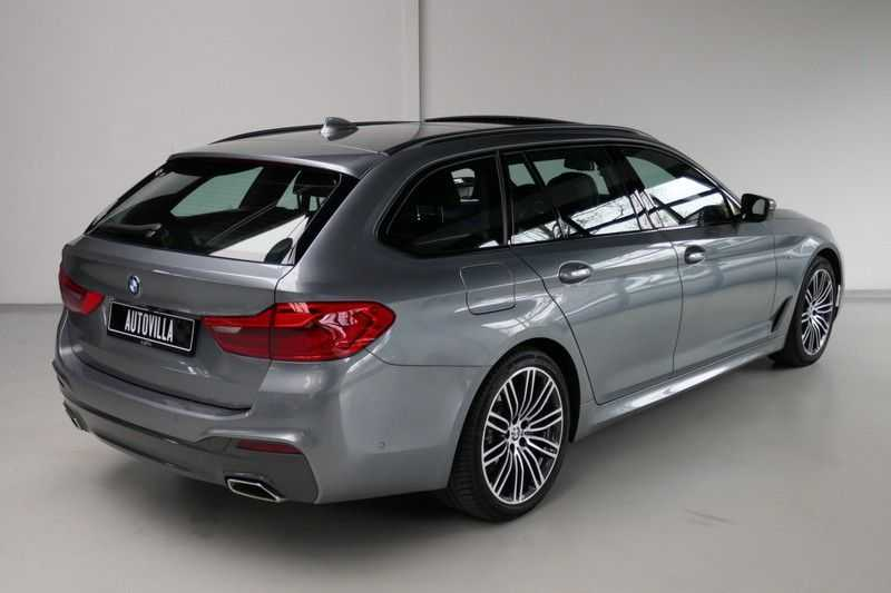 BMW 5 Serie Touring 520d High Executive M-sport afbeelding 4