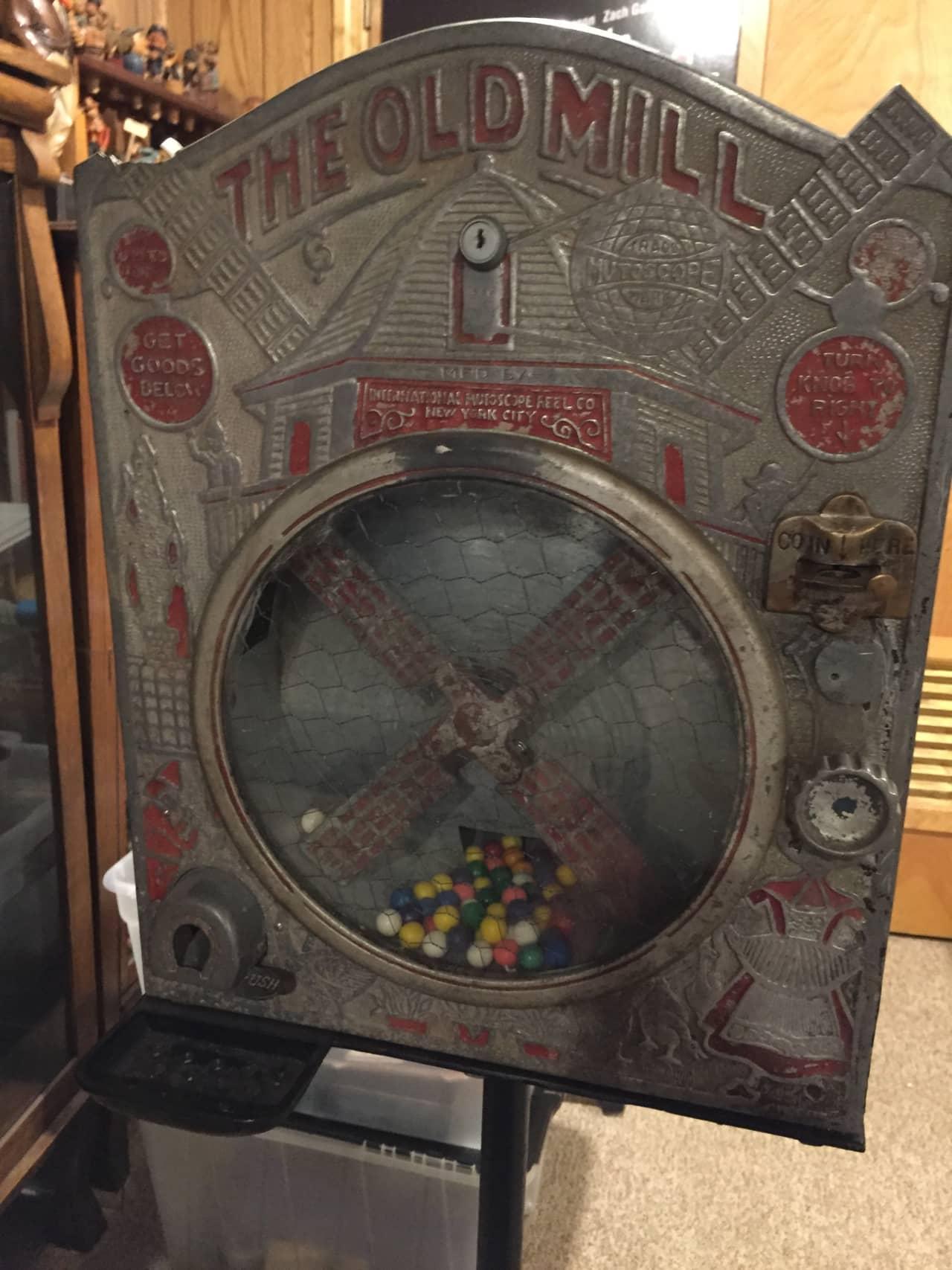 Mutoscope Old Mill Gum Vendor