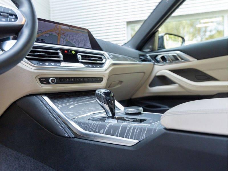 BMW 4 Serie Coupé M440i xDrive - High Executive - M-Remmen - Harman Kardon - Driving Ass Prof afbeelding 18