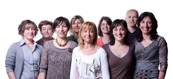 Lo staff. Da sinistra: Rita, Ivana, Monia, Giovanna, Cristina, Lorena, Cinzia, Stefano e Debora (ph. Donato Testoni)