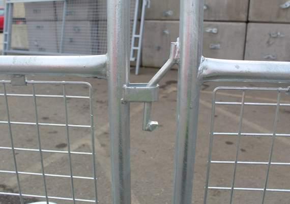 Police Pedestrian Barrier Interlocking Top Connection