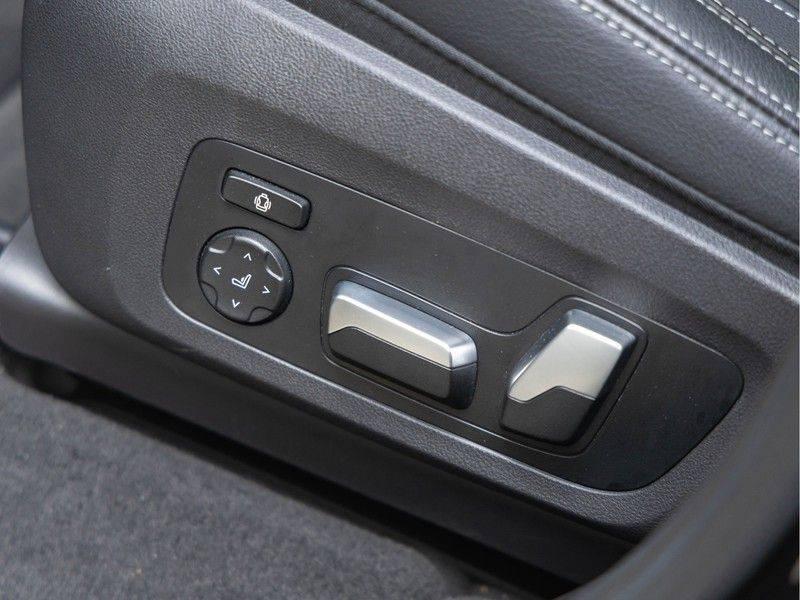 BMW iX3 High Executive - Trekhaak - Direct Beschikbaar! afbeelding 19