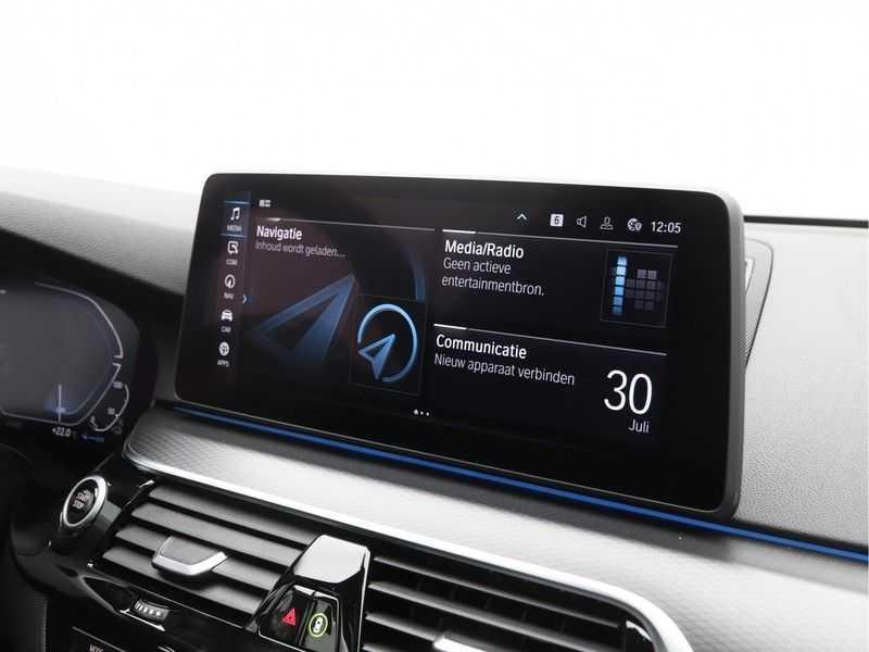 BMW 5 Serie 520e Sedan High Exe M-Sport Hybrid afbeelding 18