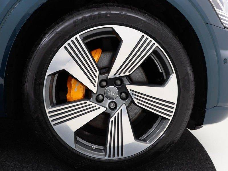 Audi e-tron 55 Quattro Incl. BTW | +/- €130 netto bijtelling| Camerabeeld spiegels | Adapt. Cruise | NAVI | Head-Up Display | 21 Inch | Matrix LED | 360 Camera | B&O | DAB | Keyless-Entry | Pano-Dak | afbeelding 13