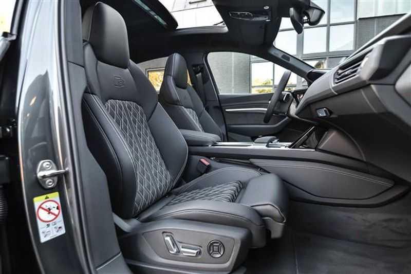 Audi e-tron SPORTBACK 55 QUATTRO S-EDITION HEAD-UP+22INCH afbeelding 3