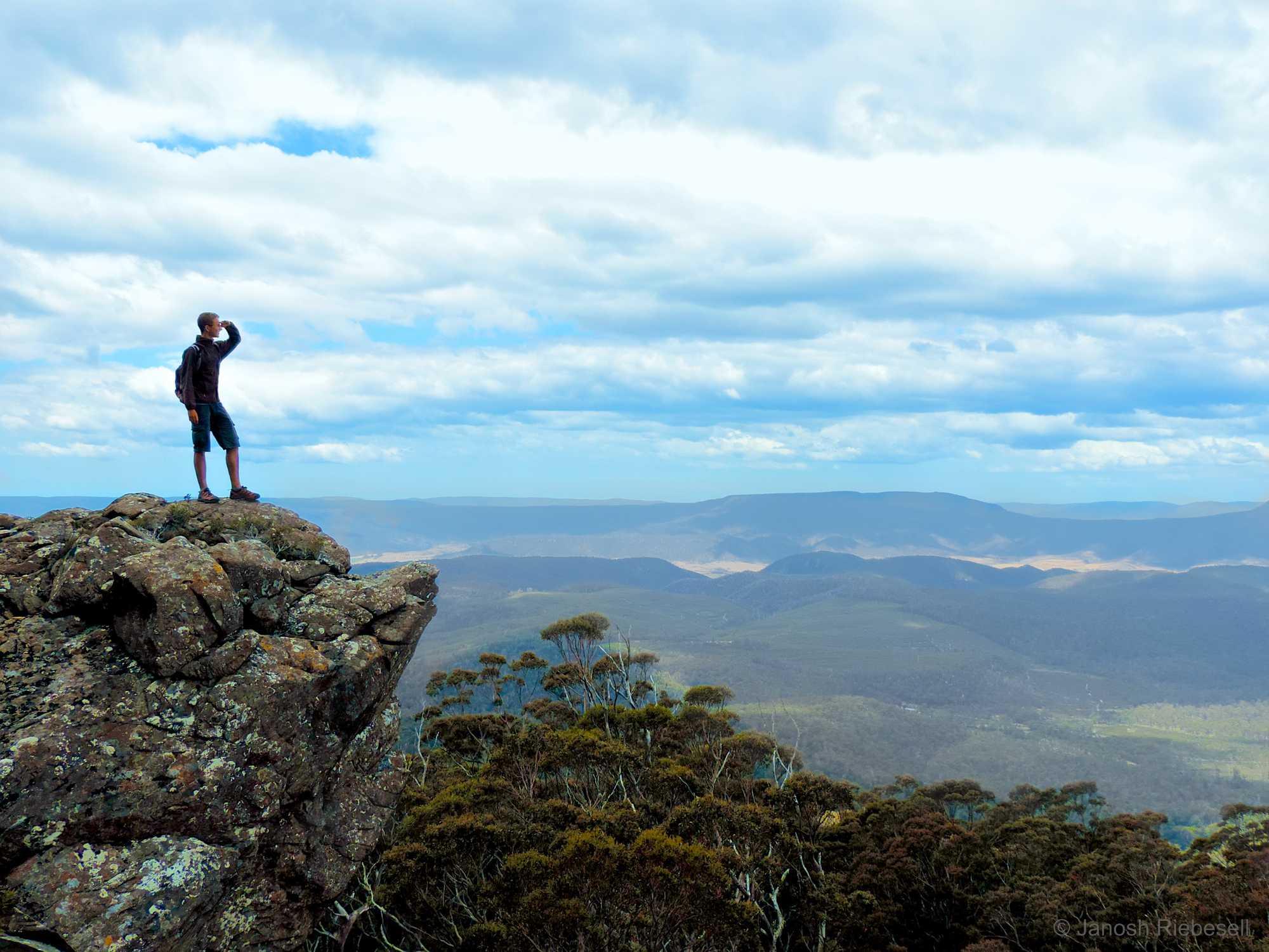 Tasmania Cliff Lookout