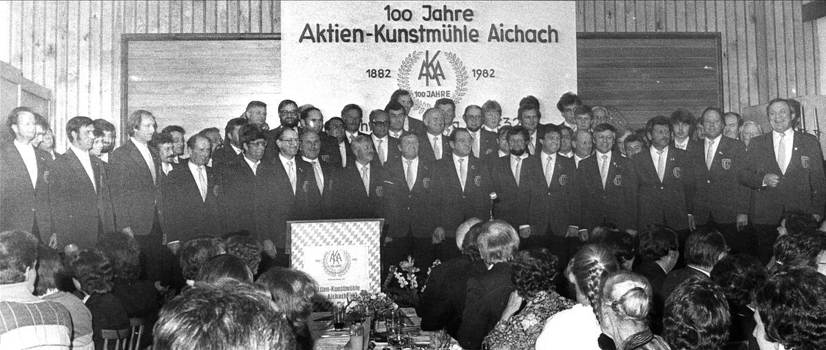 1882 feiert die Aktienmühle Aichach ihr hundertjähriges Bestehen.