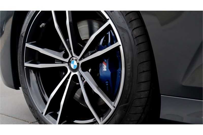 BMW 3 Serie Touring 330i Executive M Sport Driving Assistant Plus, HiFi, Comfort Access afbeelding 2