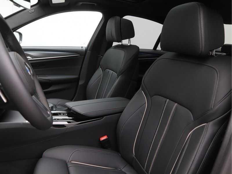 BMW 5 Serie 520e Sedan High Exe M-Sport Hybrid afbeelding 6