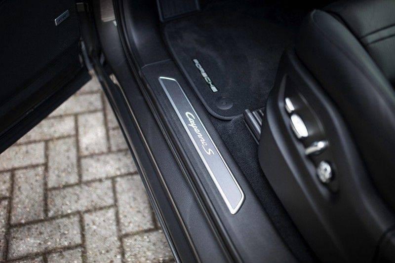 Porsche Cayenne 2.9 S Coupé *BOSE / Sportdesign / 4 Wielbesturing / Memory / Sport Chrono / HUD* afbeelding 24