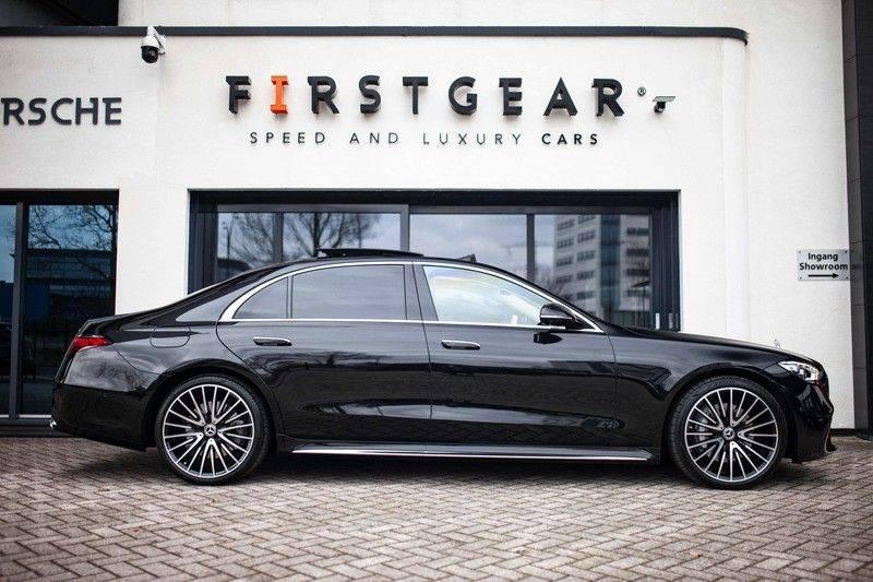"Mercedes-Benz S-Klasse 500 4Matic Lang AMG NP €193.000 *Pano / 3D Burmester / HUD / Distronic / 21"" / 3D Display* afbeelding 3"