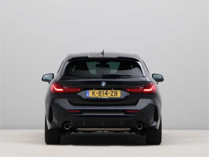 BMW 1 Serie 120i High Exe M-Sport Aut. afbeelding 8