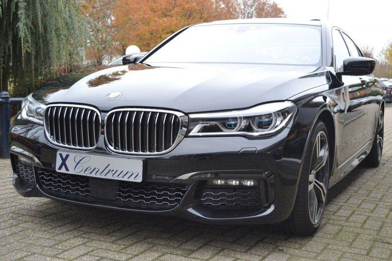 BMW 7 Serie 740d xDrive M sportpakket NP €165.000 afbeelding 1