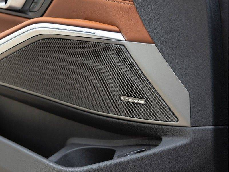 BMW 3 Serie Touring 330i M-Sport - Individual - Memoryzetels - Trekhaak - Panorama afbeelding 23