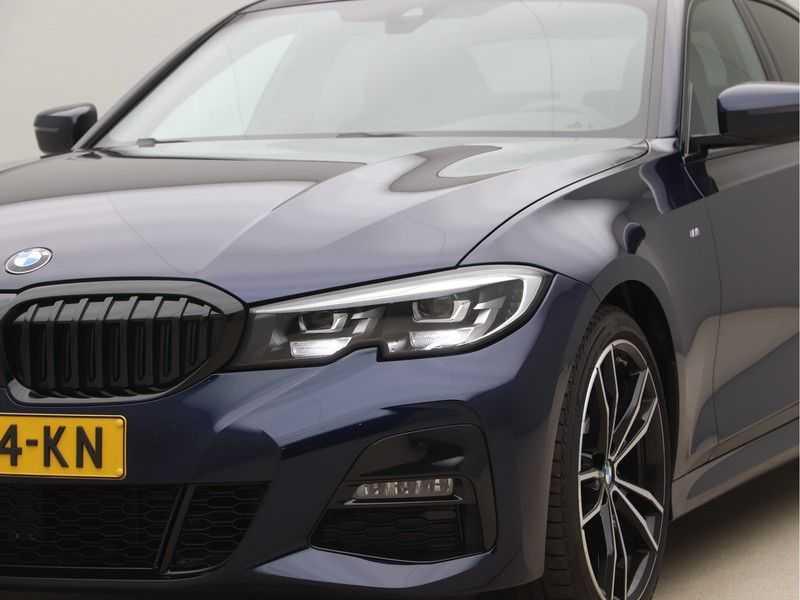 BMW 3 Serie 320i Exe M-Sport Aut. afbeelding 23