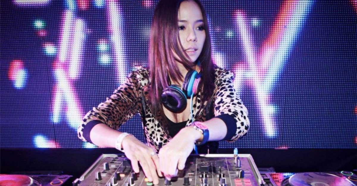 DJ Roxy June Perempuan Bertubuh Seksi Asal Thailand