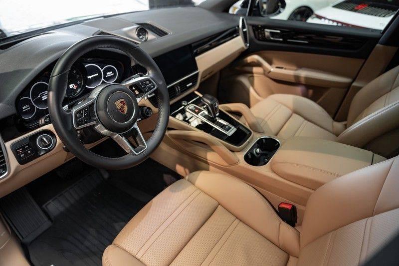 Porsche Cayenne Coupé Hybrid 22 Turbo Luchtvering Surround Camera ACC 3.0 E-Hybrid afbeelding 12