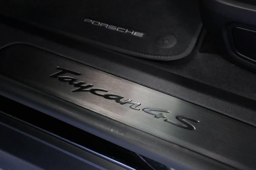 Porsche Taycan 4S Performance 571pk! | Prijs ex.btw 99000,- | Full-Led Sport-Chrono Panoramadak Warmtepomp afbeelding 13