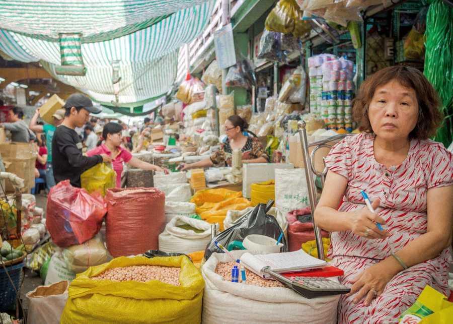 Busy morning markets