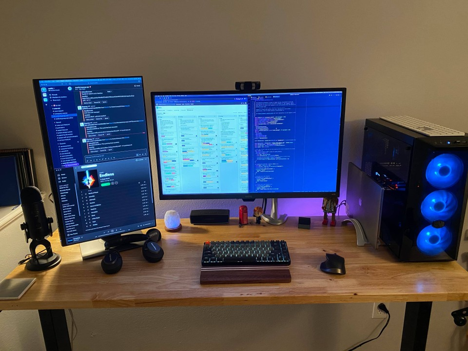 My desk setup (as of a few months ago)
