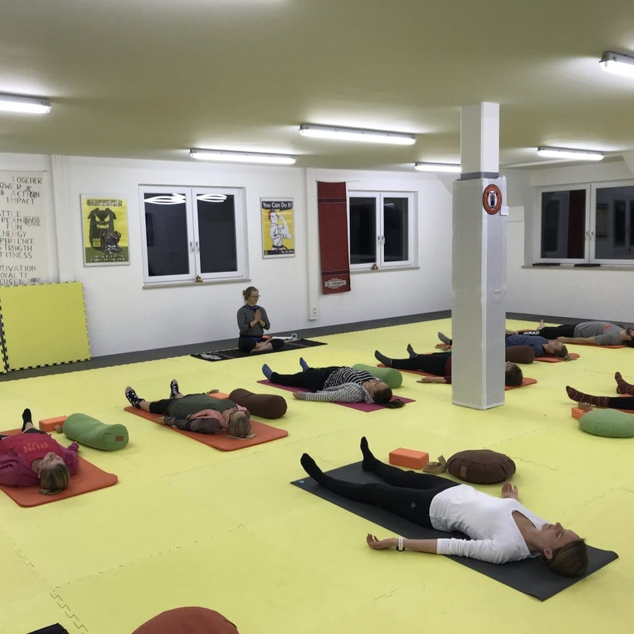 Yoga und Selbstverteidigung als Bewegungstherapie