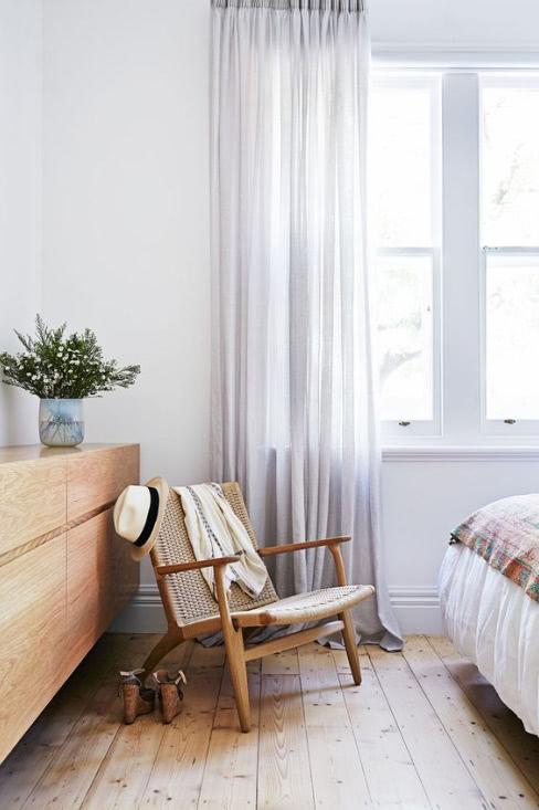 Préparation pour faire des ourlet sur des rideaux