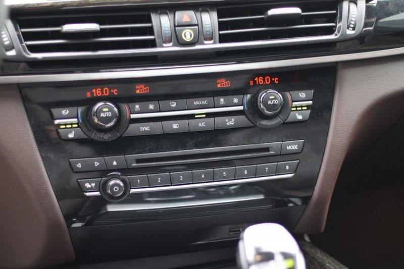 BMW X5 xDrive50i High Executive Pan.dak, Surr. view afbeelding 16