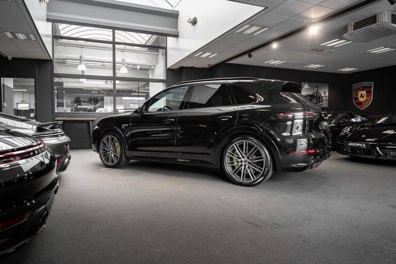 Porsche Cayenne Turbo S Hybrid Burmester Sport Design Sport Uitlaat 4.0 Turbo S E-Hybrid afbeelding 8
